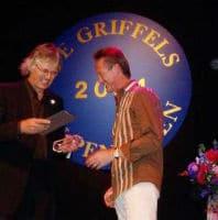 Uitreiking Gouden Griffel door Dick Anbeek, voorzitter CPNB