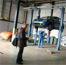 De brug in de garage
